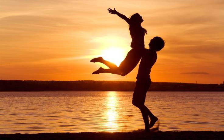 Gambar dari sini http://www.letstalkdatingonline.com/home/wp-content/uploads/2013/02/love-man-woman-silhouette-sun-sunset-sea-lake-beachother1.jpg